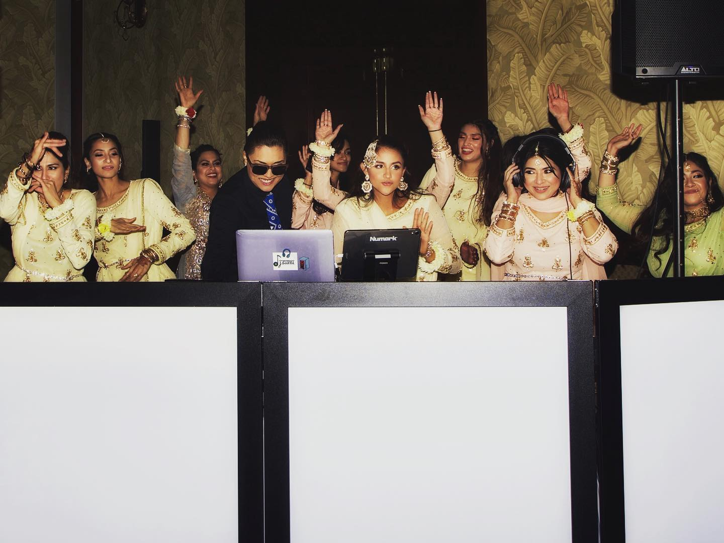 Dj sumi and bridesmaids!