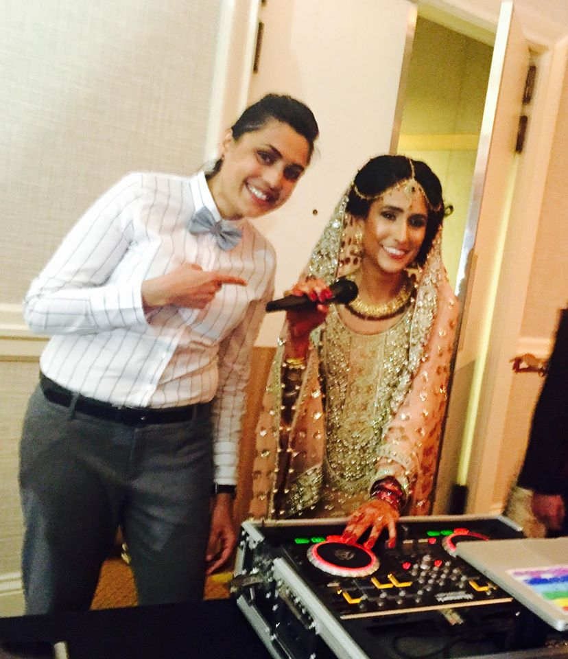 Dj hanging with the bride ;)