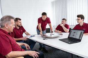 Gruppe von Mitarbeitern der Diamant- Gesellschaft Tesch GmbH