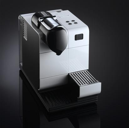 Nespresso DeLonghi Kaffemaschine Fotosho