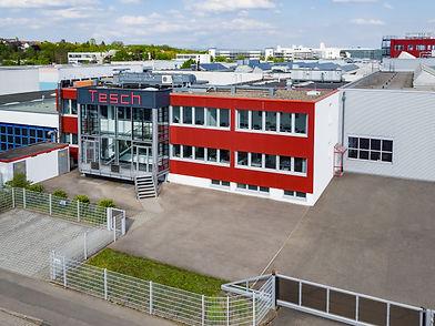 Luftbildaufnahme eines Gebäudeteils des Produktionsstandortes in Ludwigsburg der Diamant- Gesellschaft Tesch GmbH