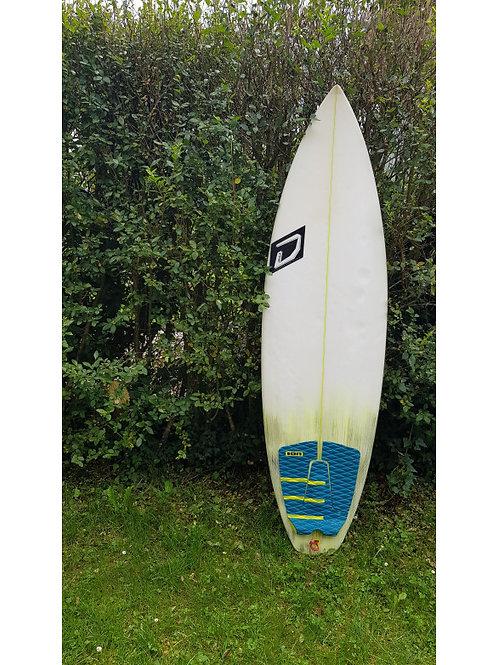 Surfboard Devils 5'11
