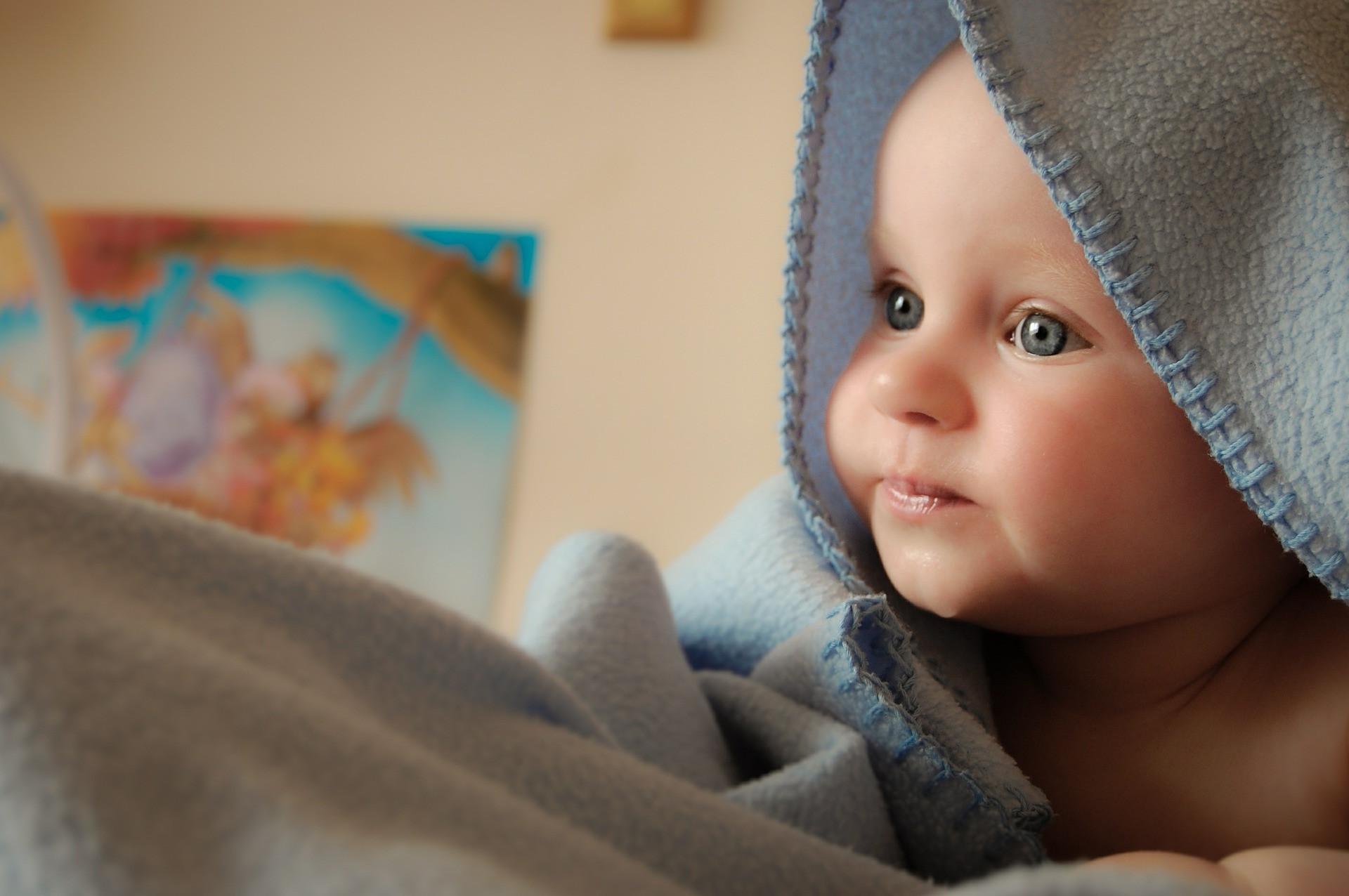 child-428377_1920_edited.jpg