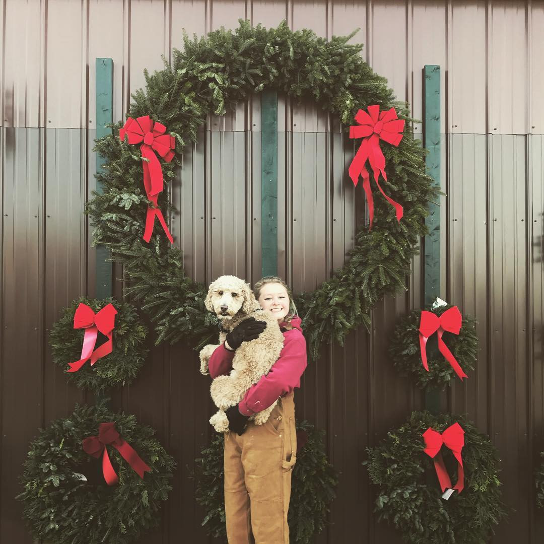 Very large wreaths made upon request!