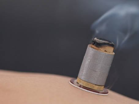 8 Benefits of Moxibustion and How to Enjoy Them
