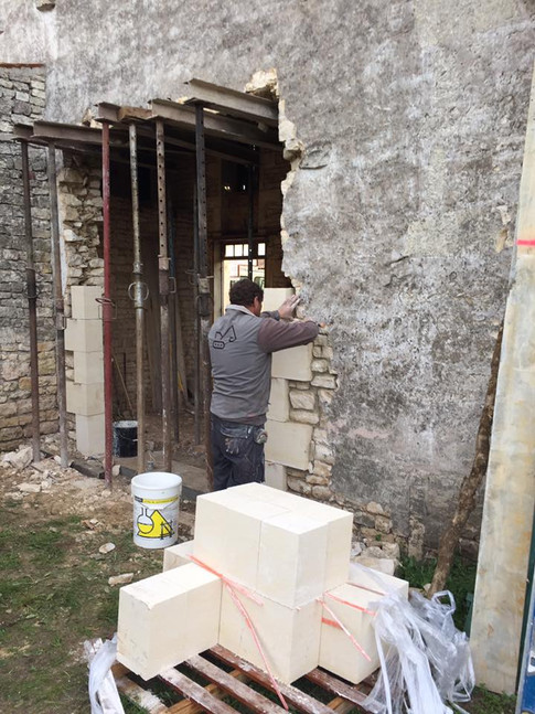 Création d'ouverture sur rénovation avec pierres de taille