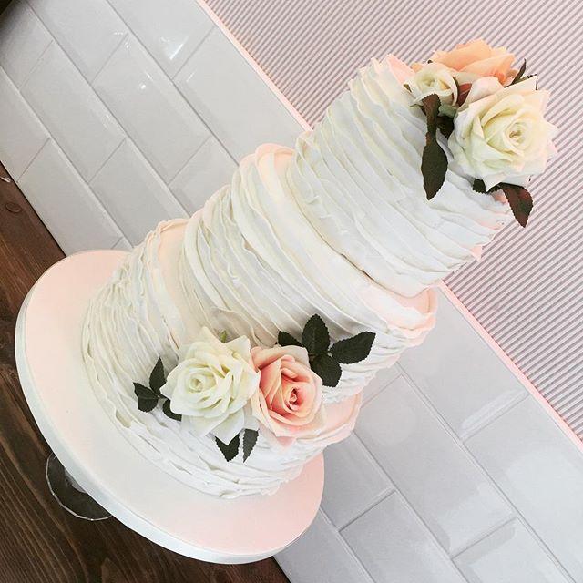 #wedding #weddingcake #cheshirewedding #pertty #cake #cakeshop #libbygcakes #yum #altrincham #ruffle