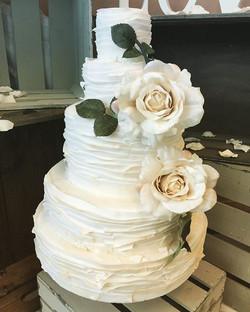 #weddingcake #hale #cheshire #altrincham #wedding #cake #sugarart #sugarcraft #libbygcakes #bakery