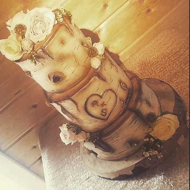 Congratulations to Rebecca & Ste ❤️ loved making your cake  #weddingcake #wedding #cheshire #cheshir