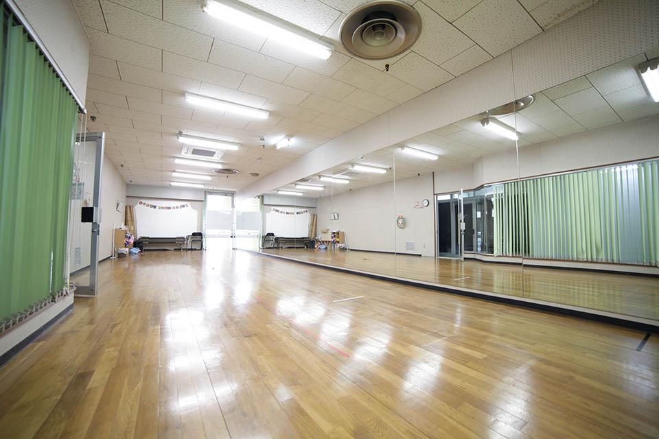 ダンスルーム