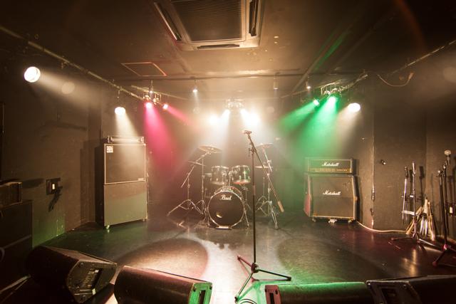 ライブステージ(スモークあり)