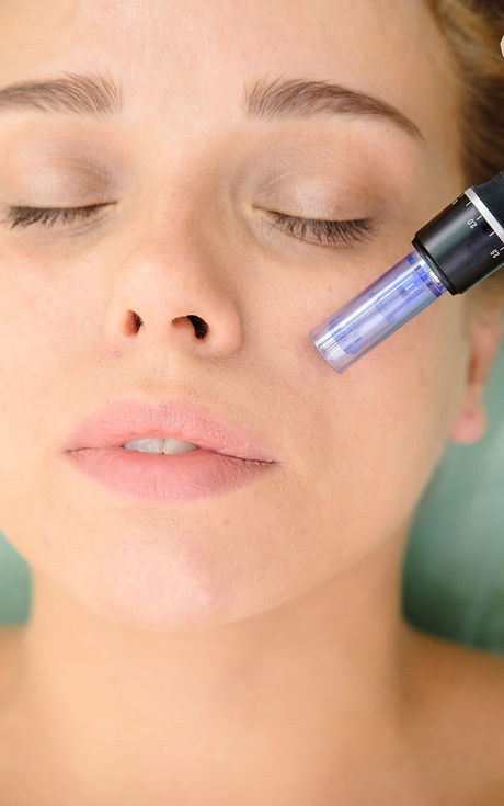 Cosmetologist%2520making%2520mesotherapy