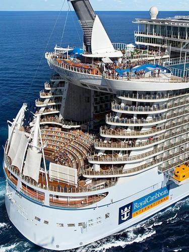 oasis-of-the-seas-aerial-aft-view.jpg