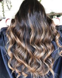 This girl and her mermaid hair 🤤 _ashem