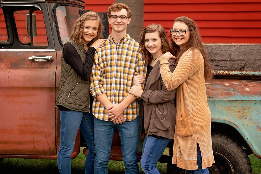 Dillard Family Portraits 414 resized for