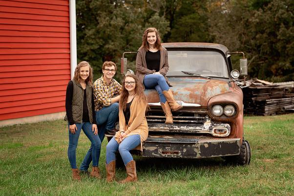 Dillard Family Portraits 432 resized for