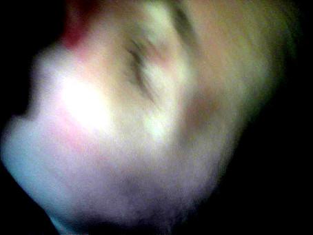 """""""Retratos in Motion: o beijo"""" por Patricia Moran, 2021."""