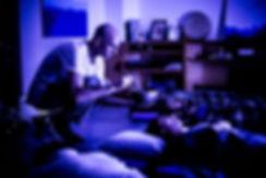 Espaço Interior: Tigelas Sonoras eRebirthing com Luiz Duva e Renata Borges.