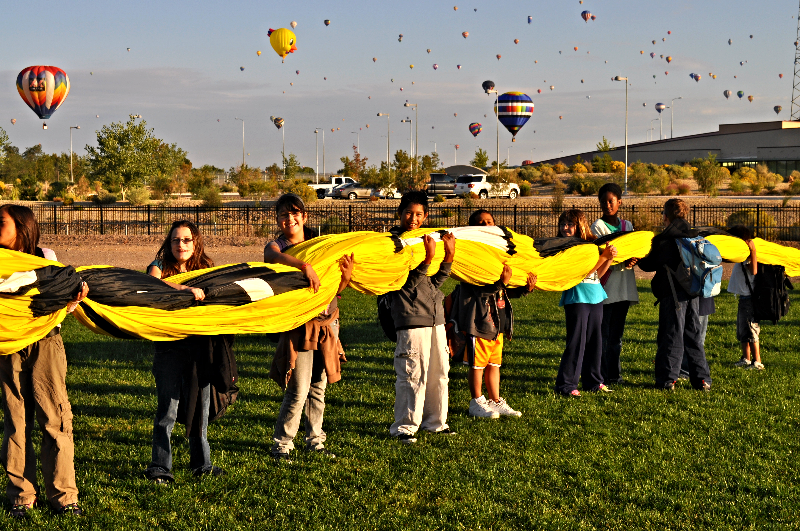 Balloon Fiesta School Landing 2010