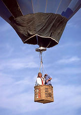 STOKES BLUE BALLOON BASKET IN FLIGHT 197