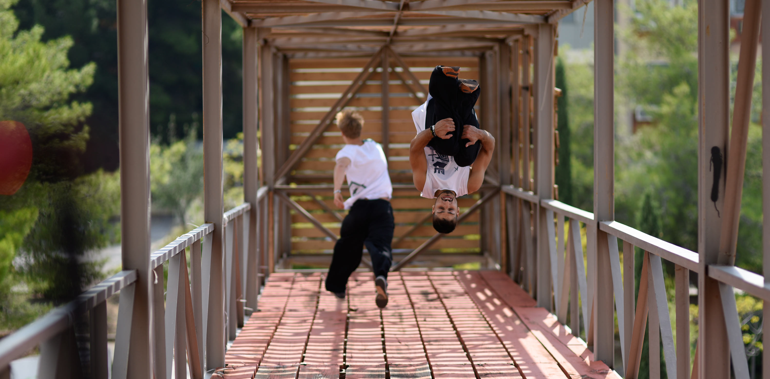 Wefew-clothing_Parkour-Freerunning_Stergios-frontflip_nuts