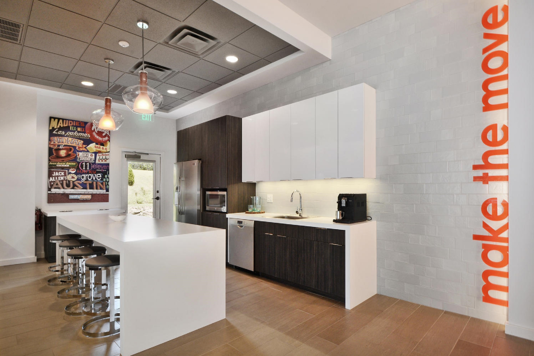 realty-austin-kitchen
