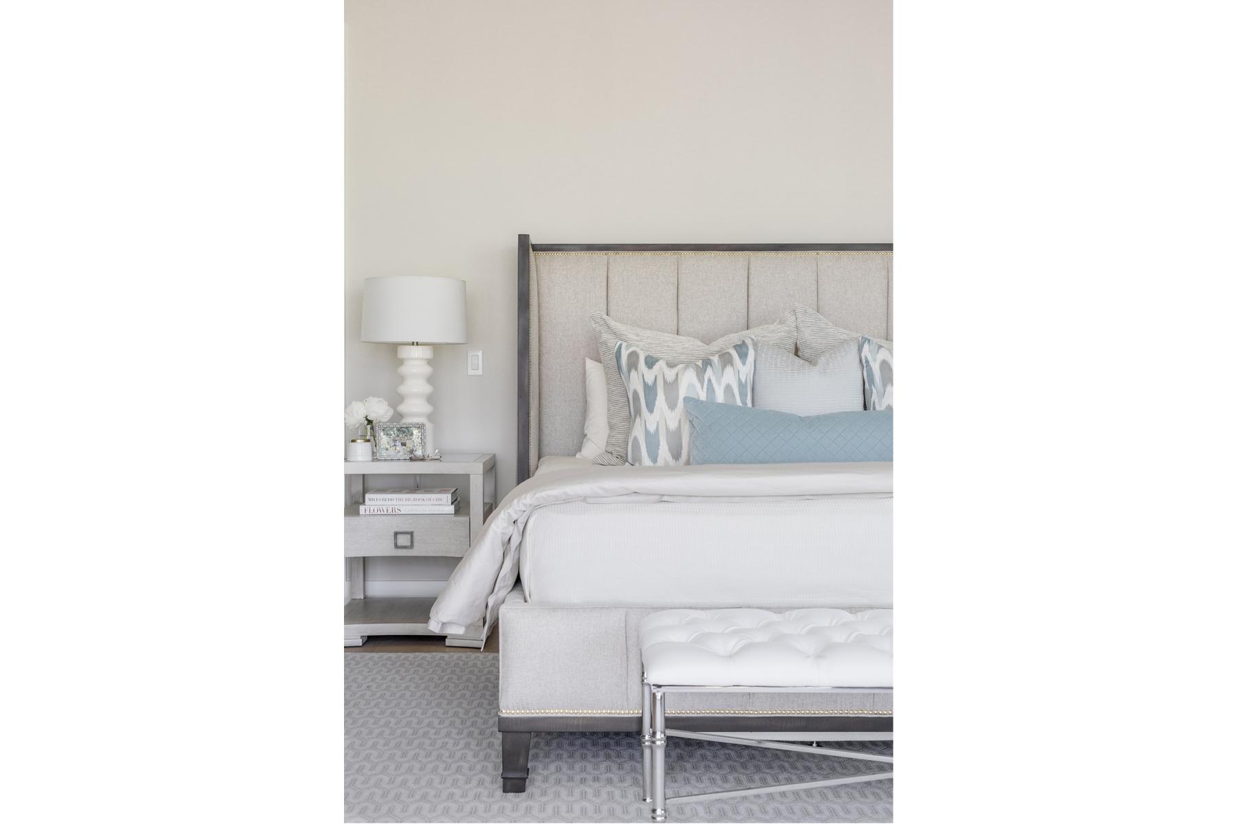 lake-austin-residence-master-bed