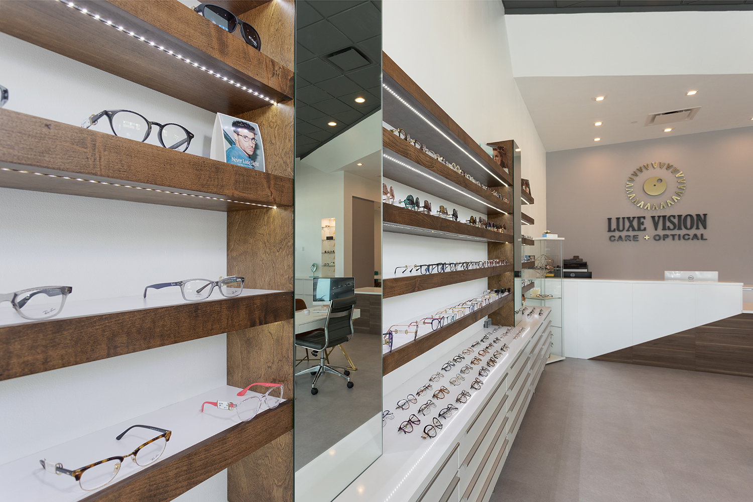Luxe Vision Retail Display
