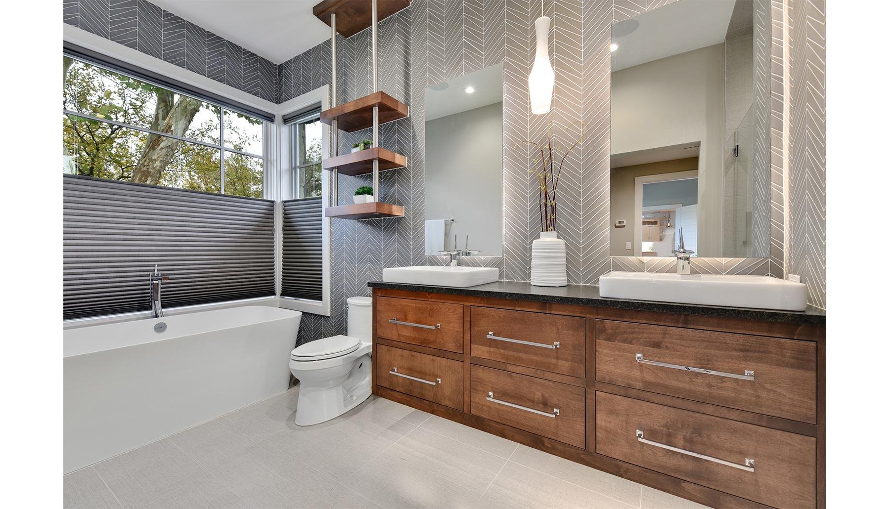 Greenshores Guest Bath
