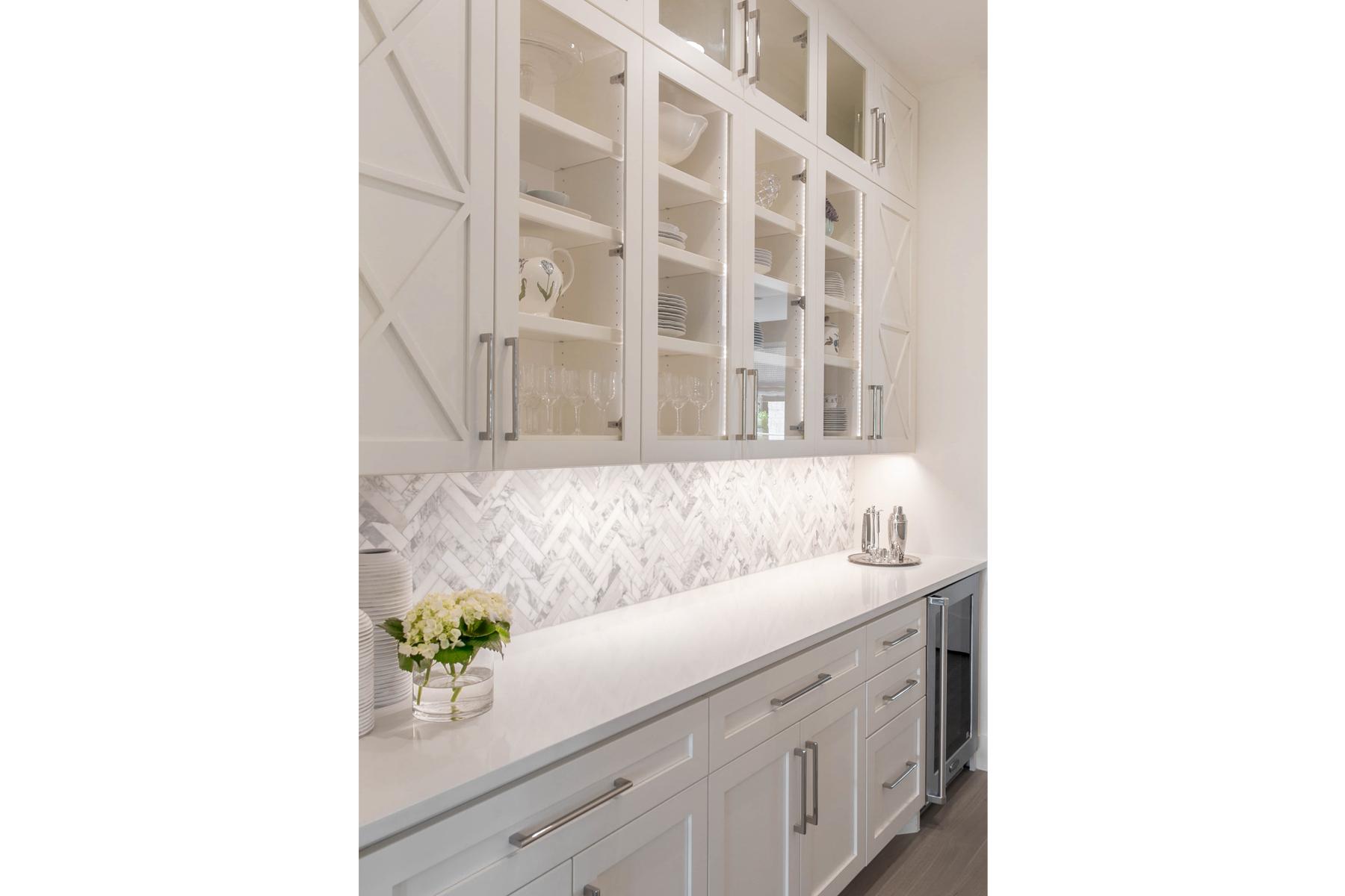 lake-austin-residence-kitchen-detail