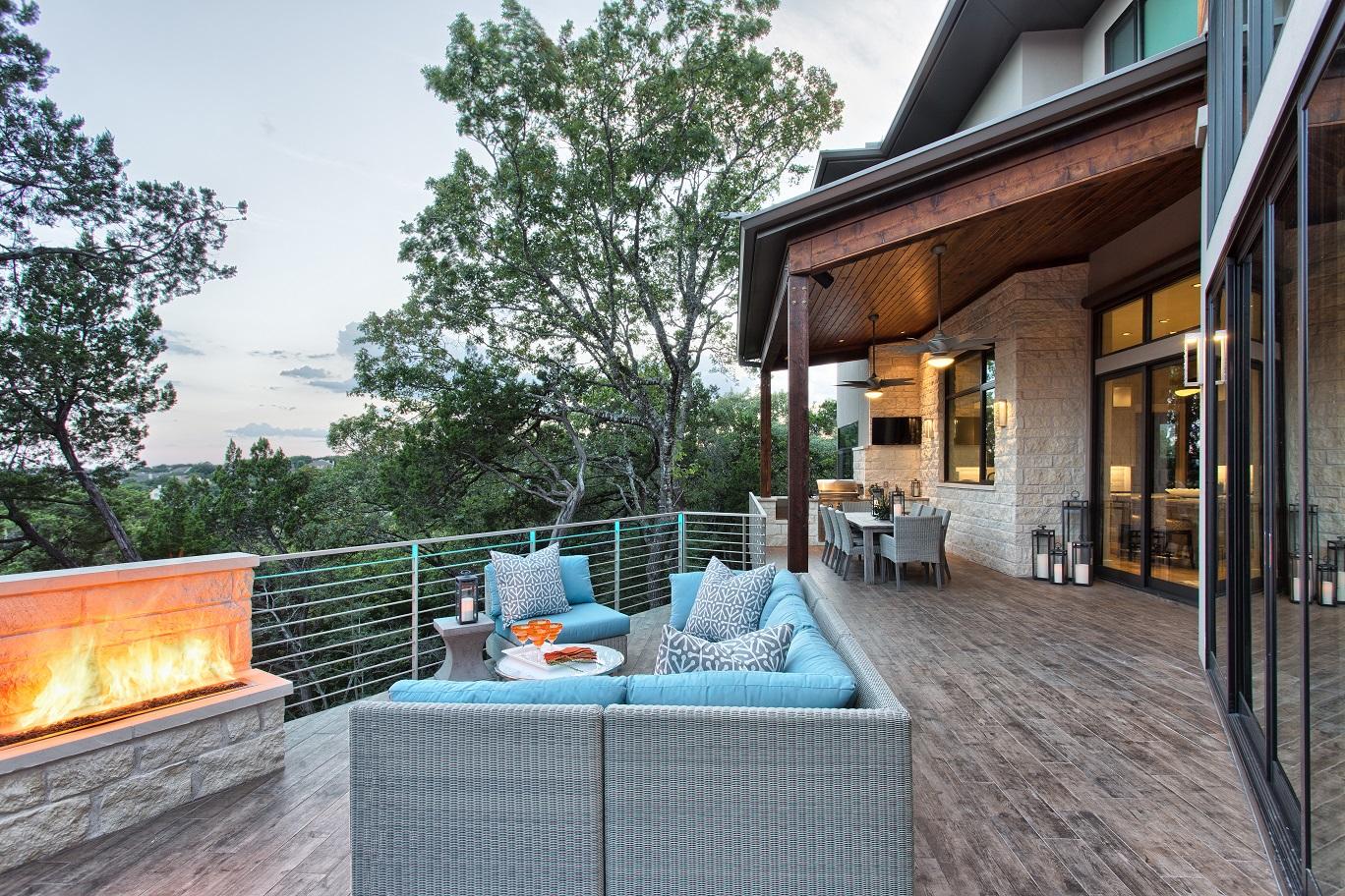 nine-oaks-backyard