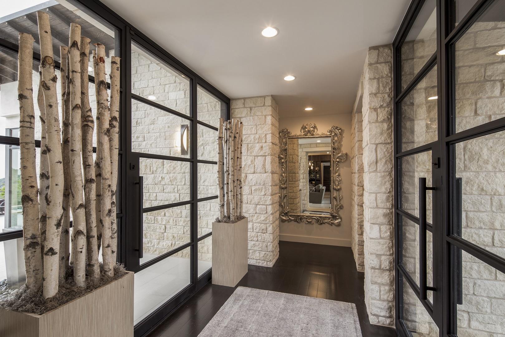 serene-hills-foyer