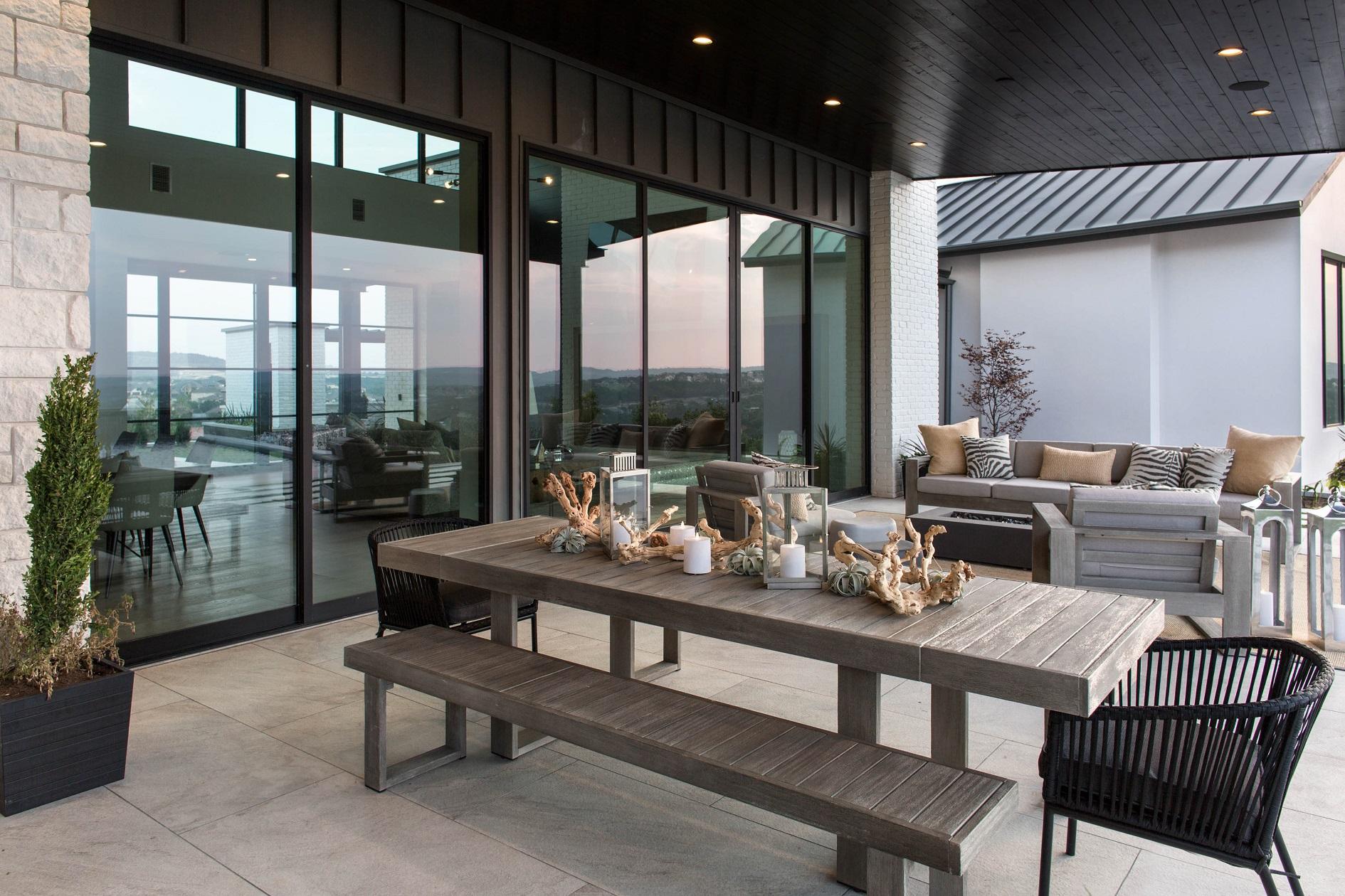 Peninsula Residence - dining