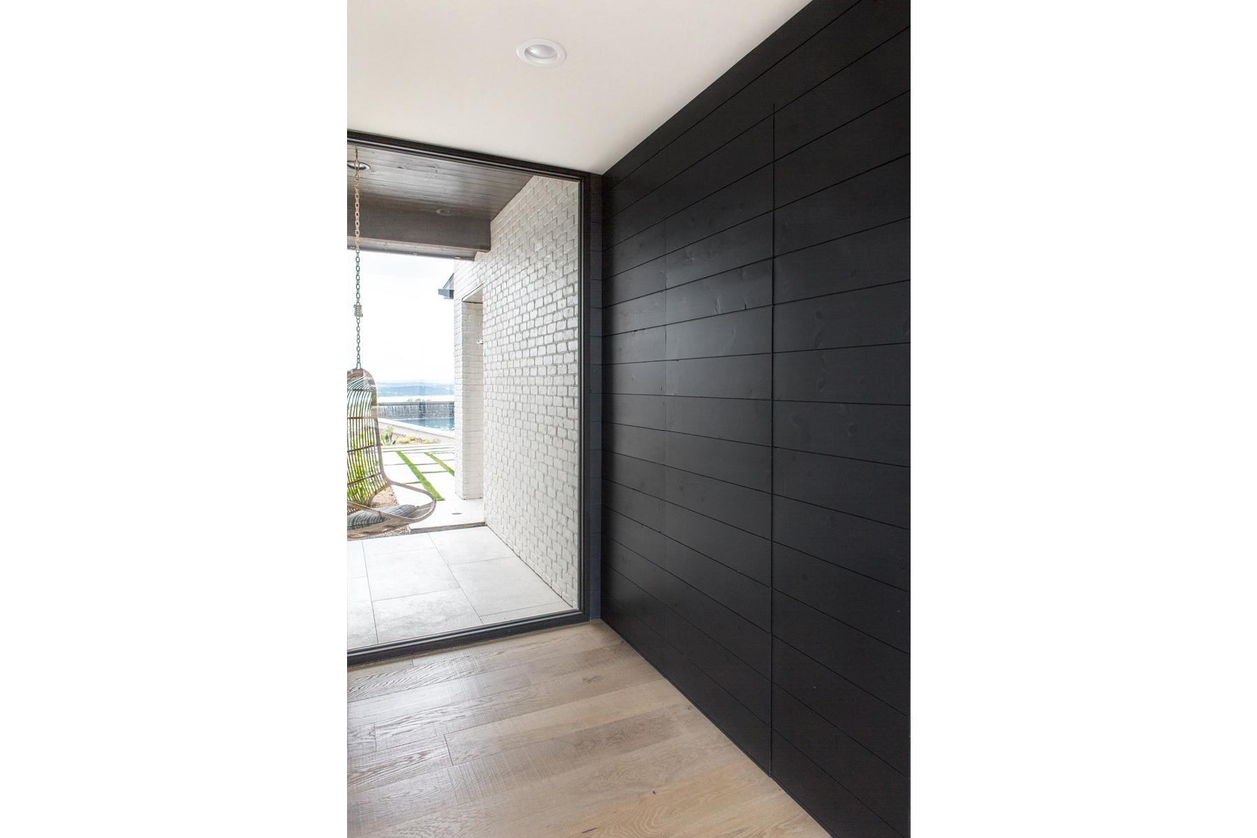 Peninsula Residence - detail