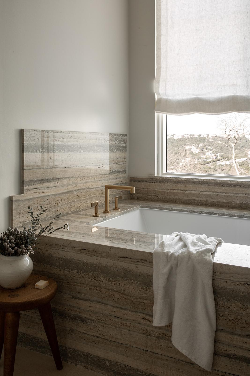 Ledge Mountain Bath