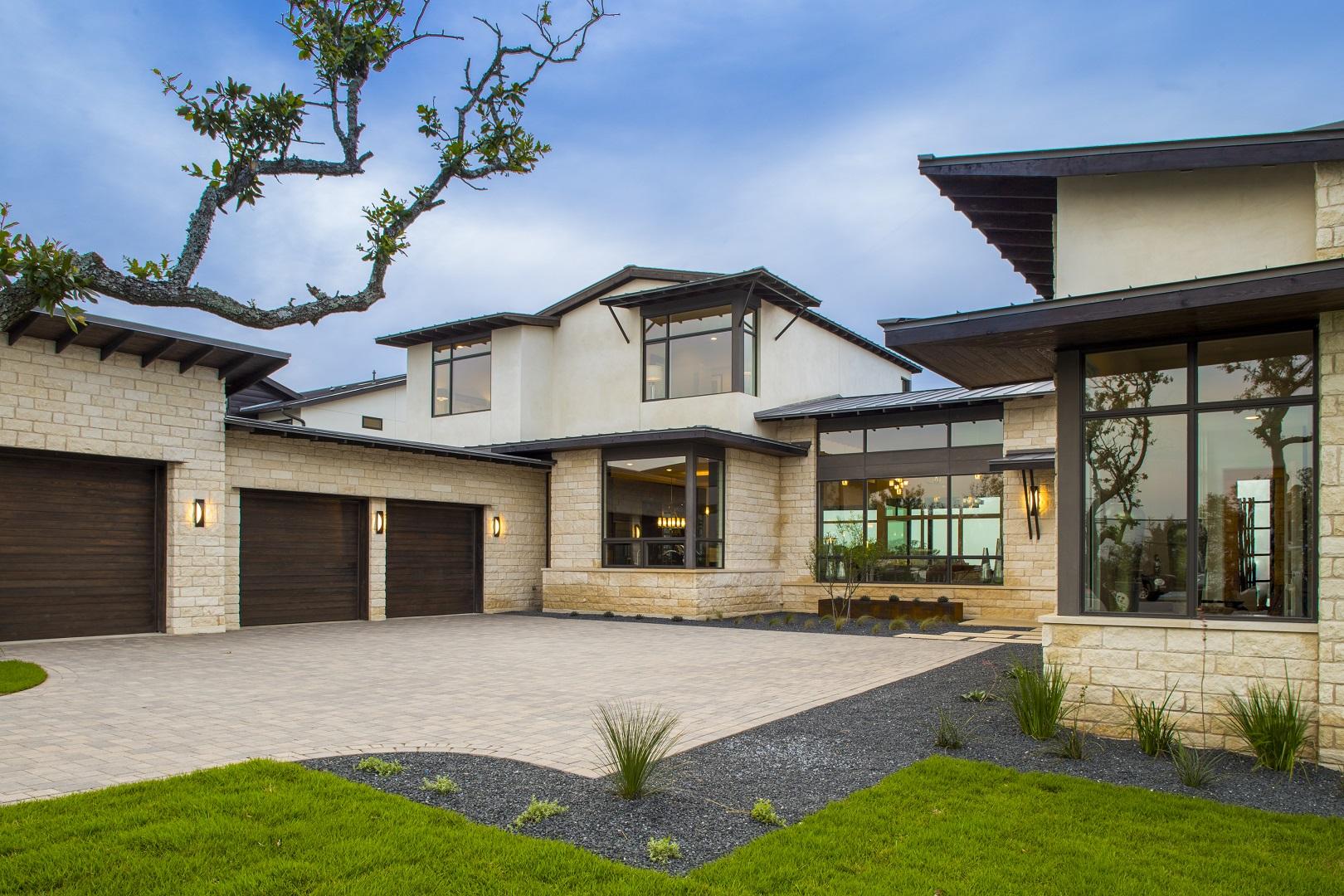 serene-hills-garage-entry