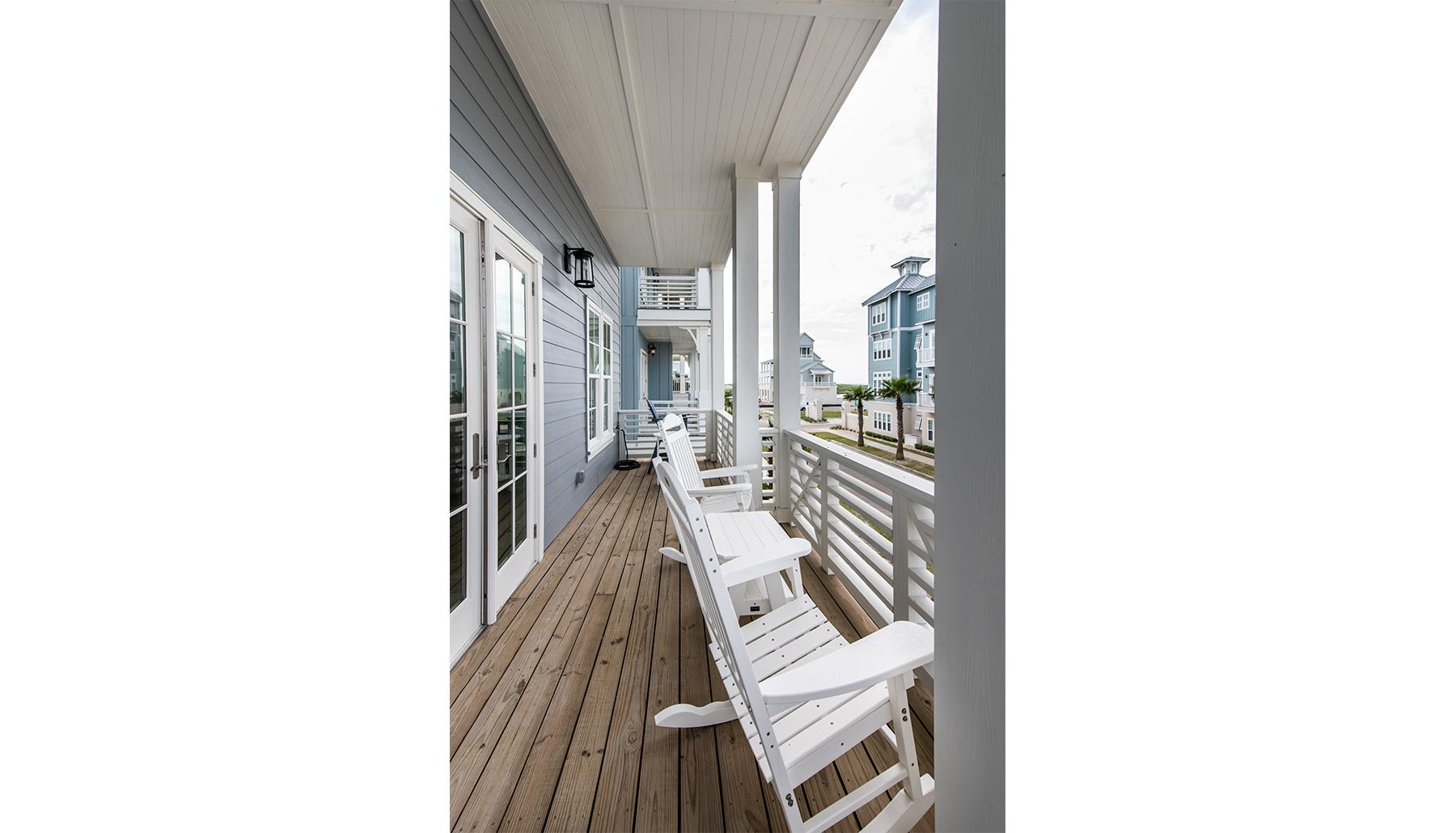 Palmilla Porch