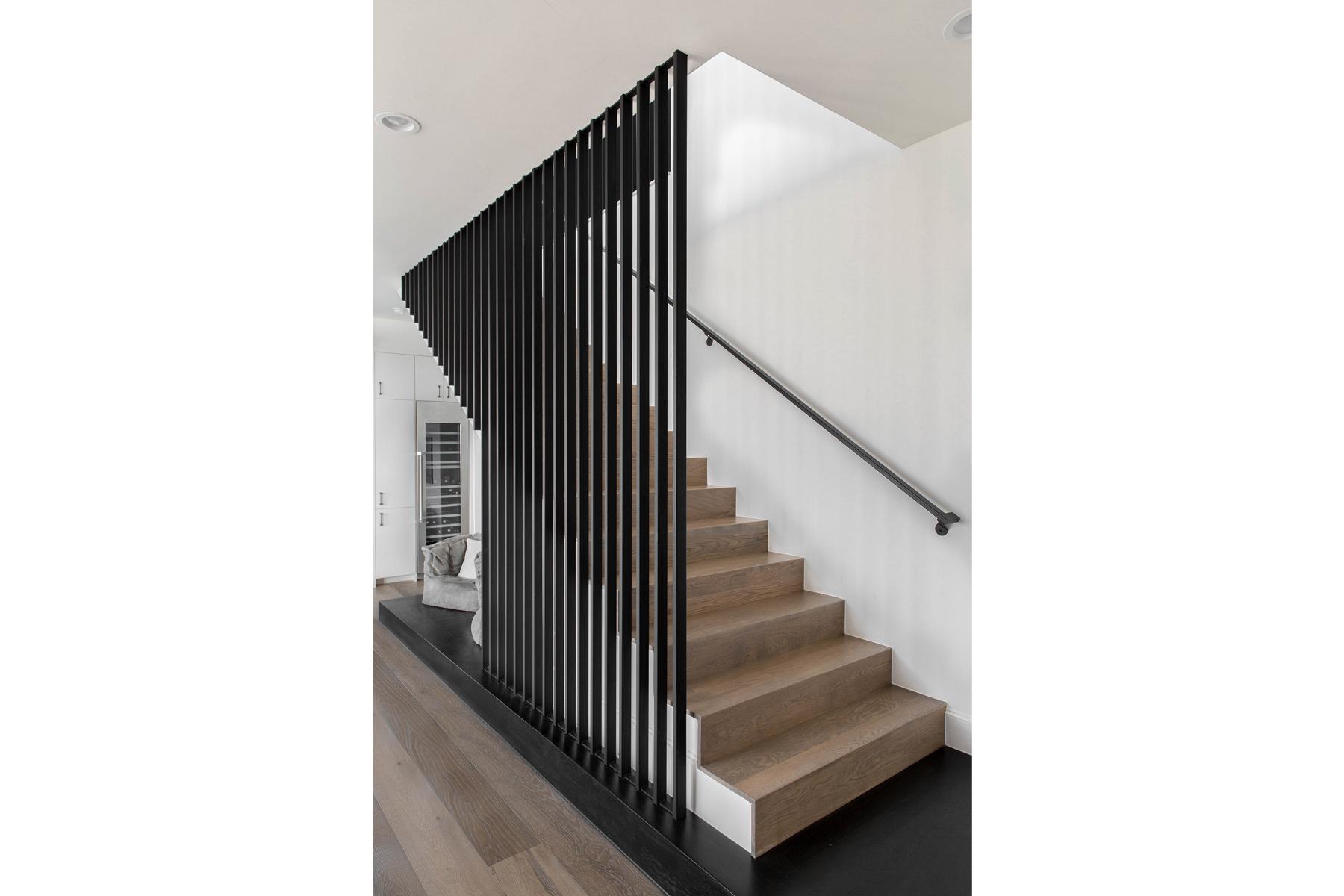 Peninsula Residence - staircase