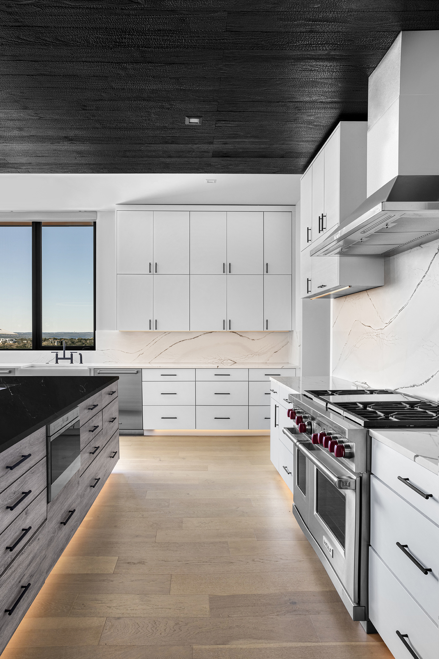 Two Coves Modern Kitchen