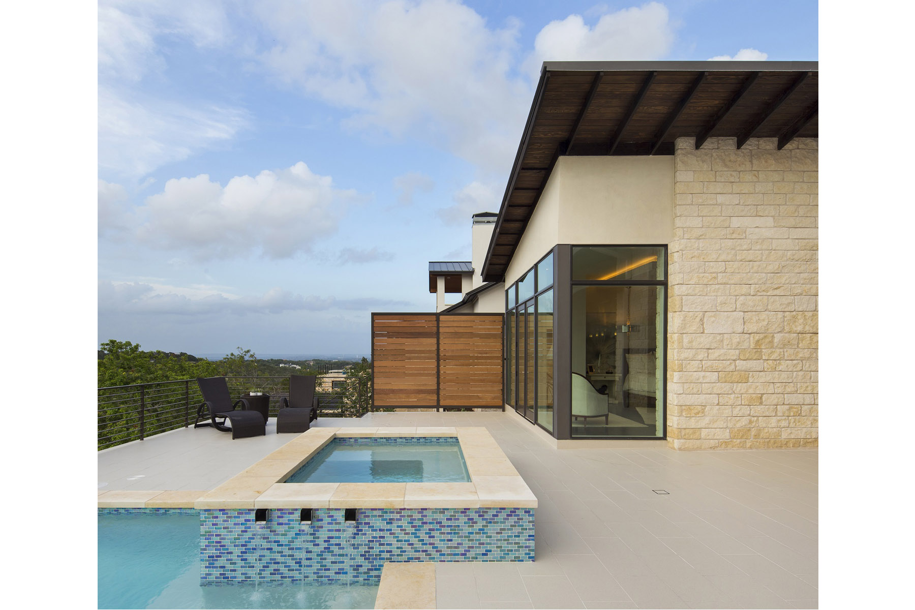 serene-hills-pool