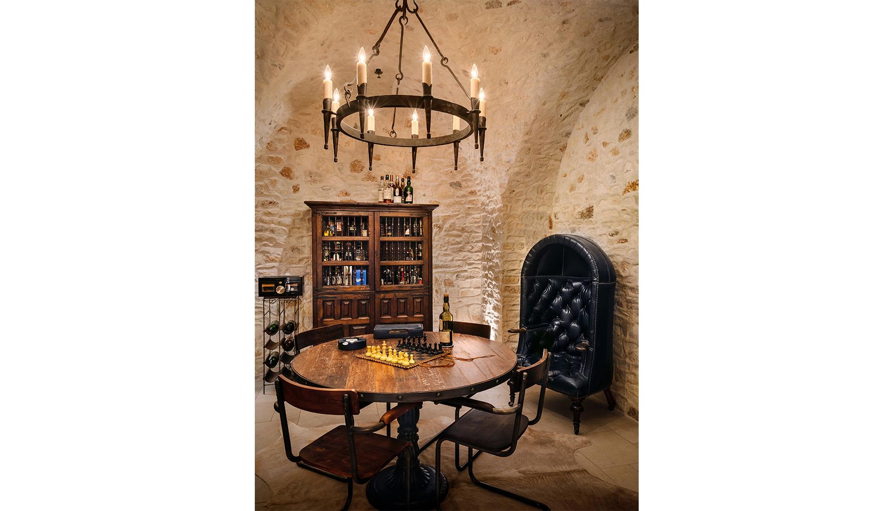 Island Knoll Tuscan Wine Room