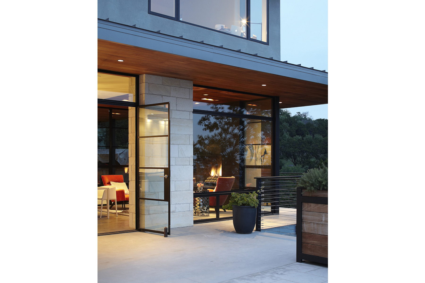 hill-country-residence-back2