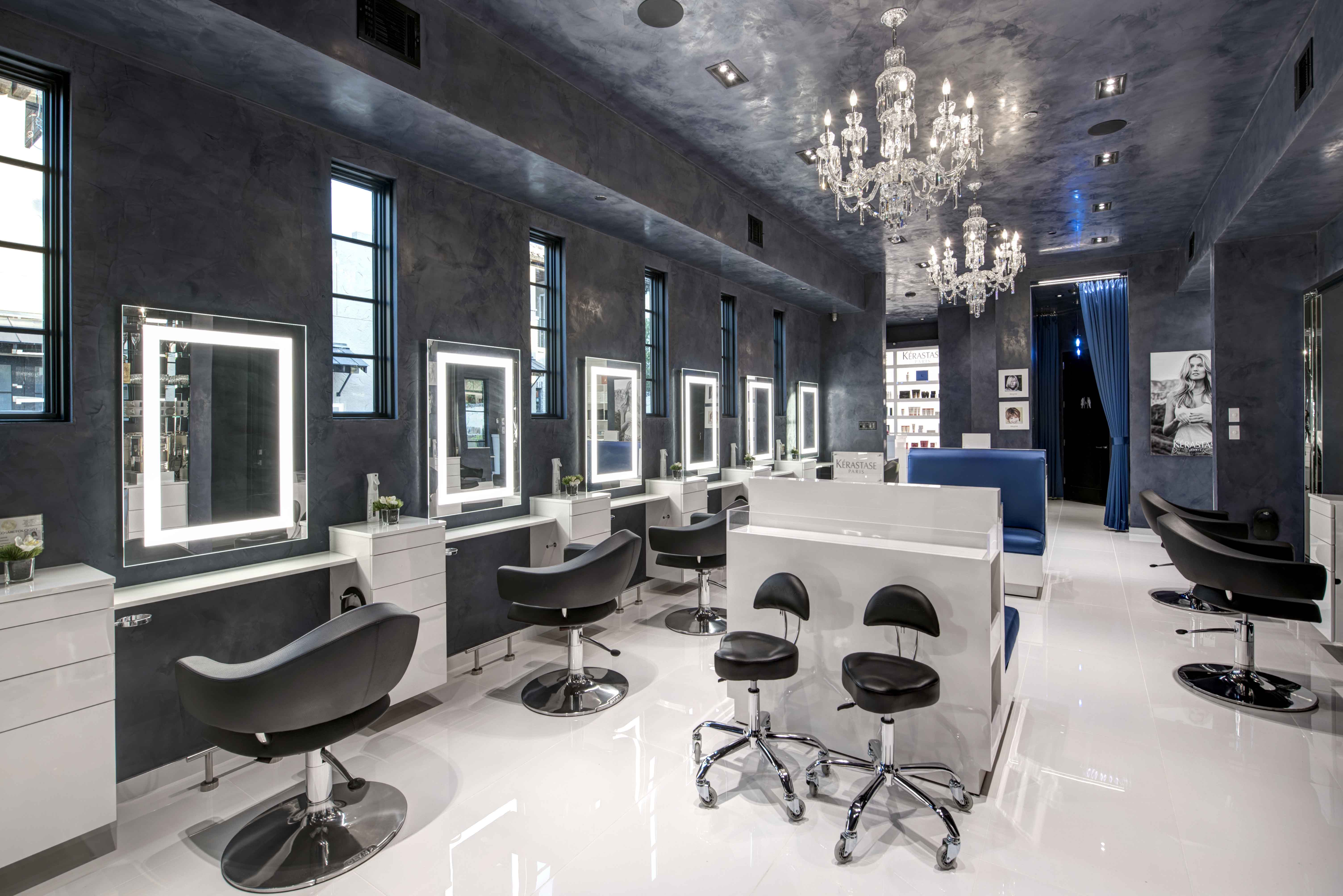 Attitudes Paris Salon Interior