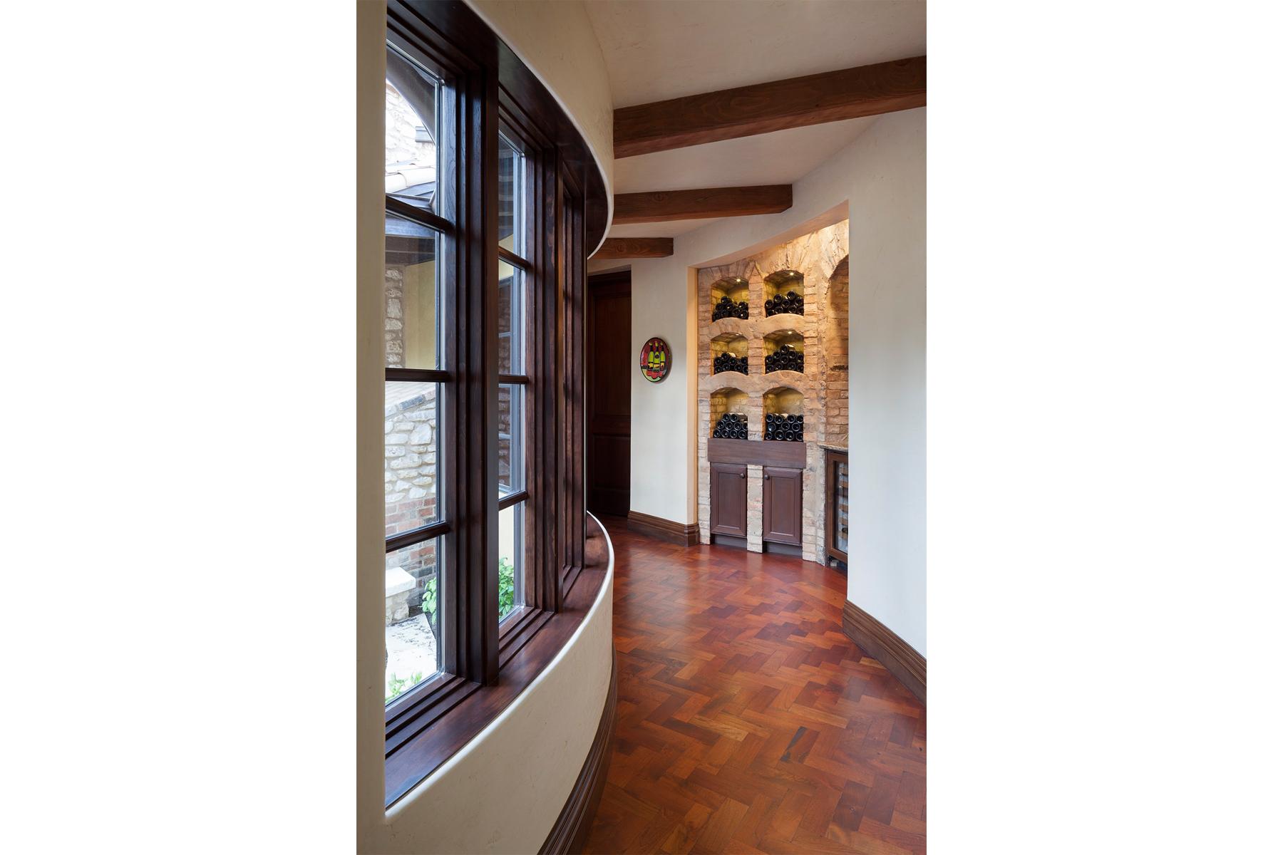 La Corte di Petra Hallway