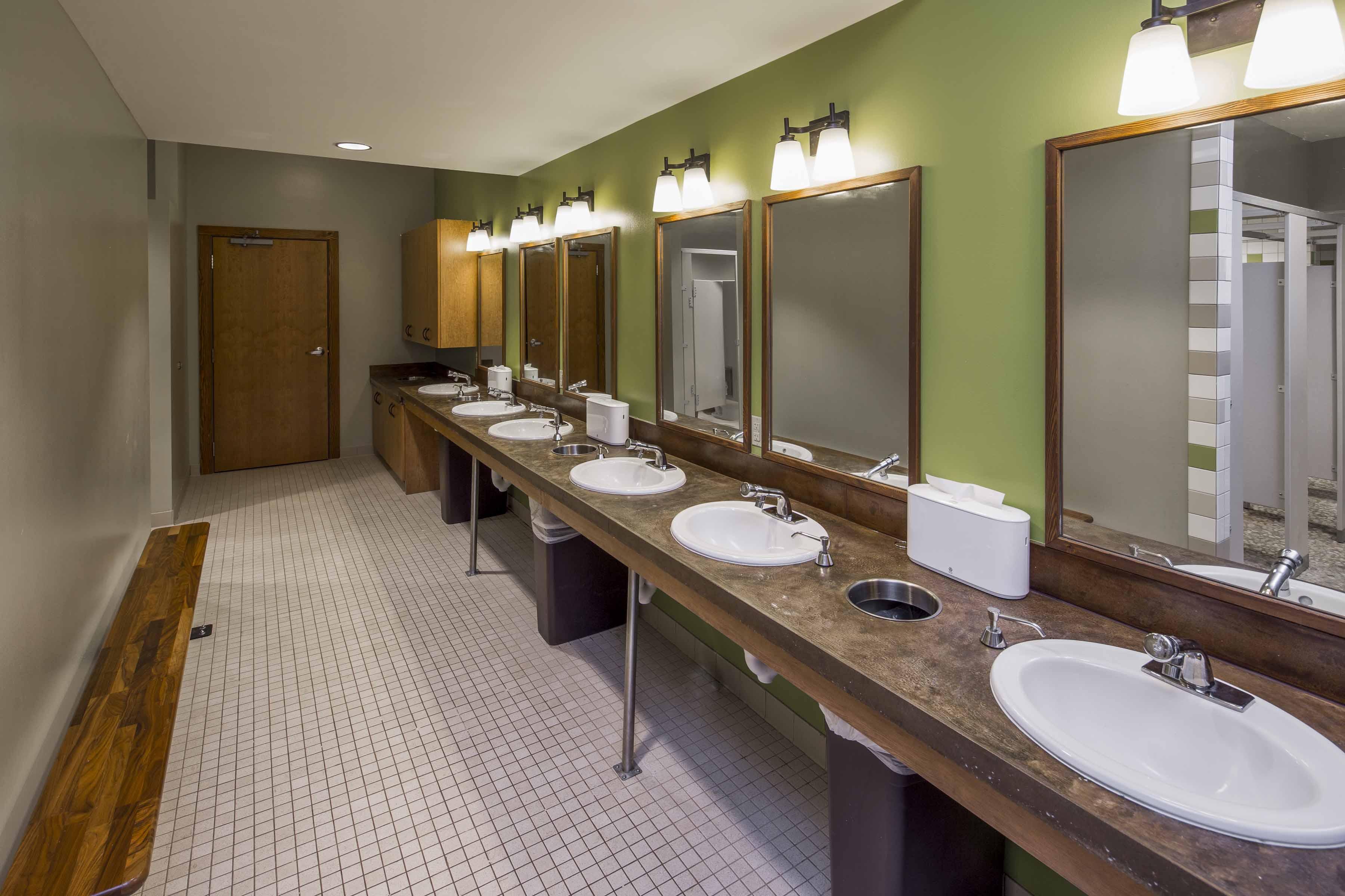 austin-sunshine-camps-bathroom