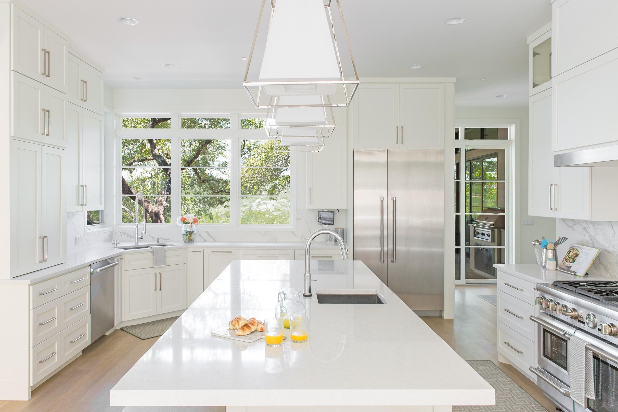 lake-austin-residence-kitchen-island