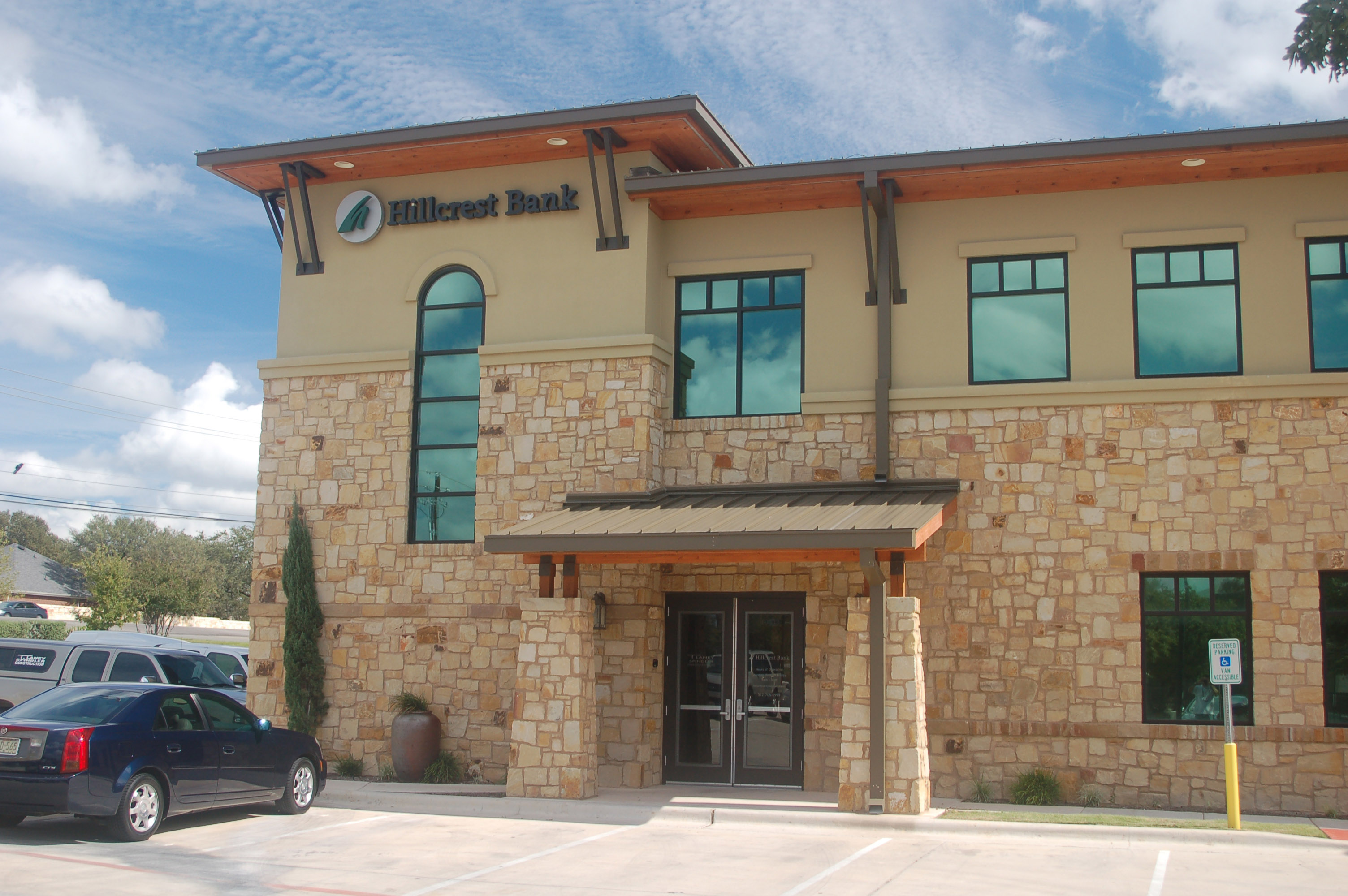 Hillcrest Bank Entrance