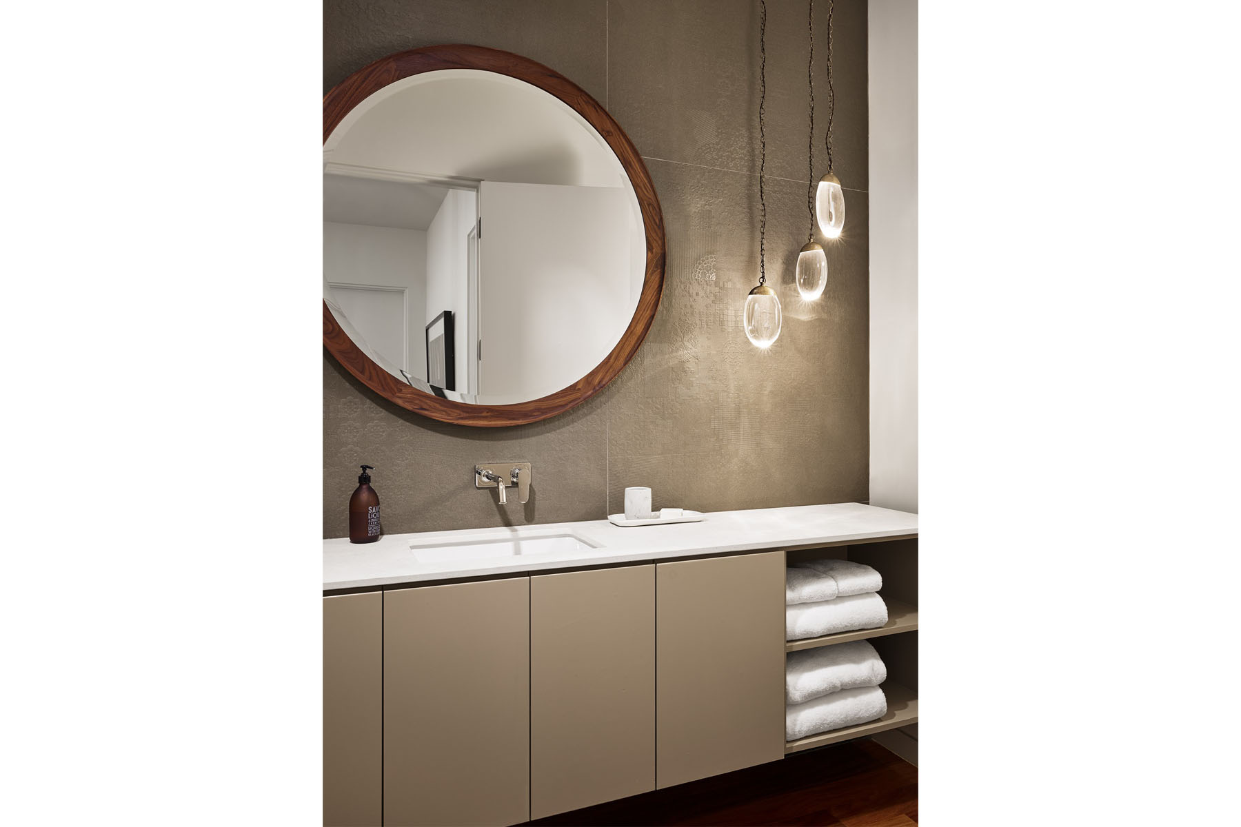 Rollingwood residence - powder room