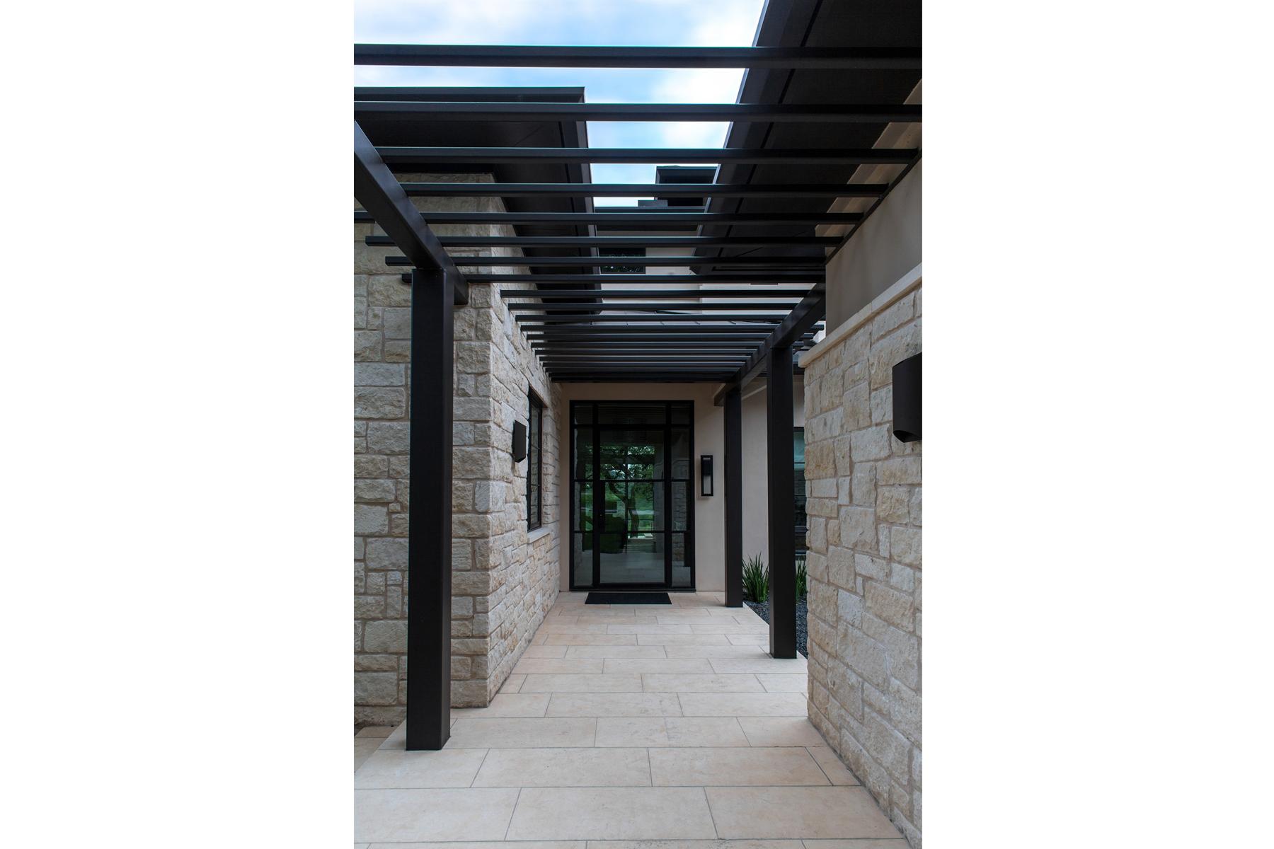 lake-austin-residence-porch