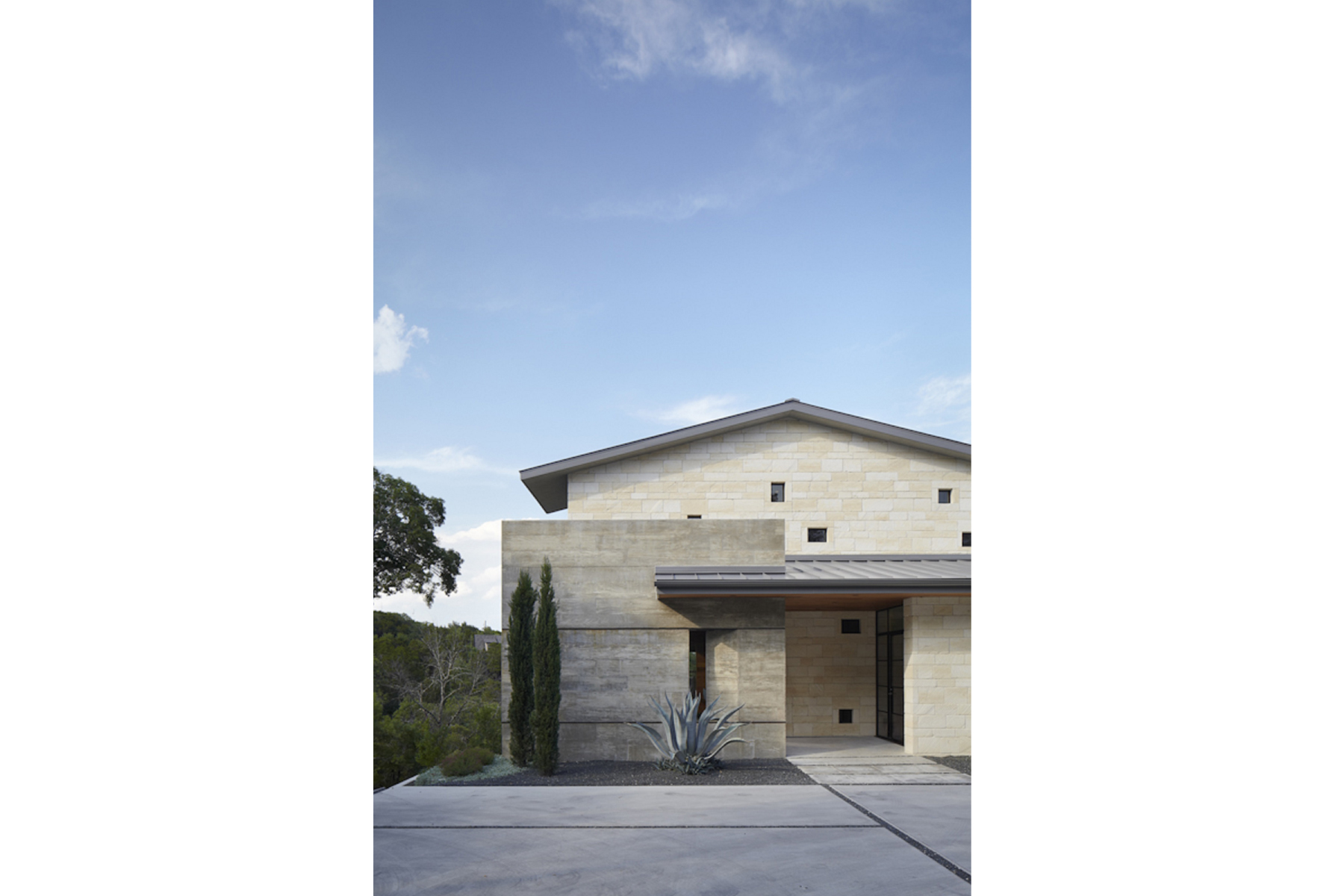 hill-country-residence-exterior2